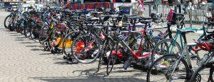 Fahrradparkplatz in der Stadt